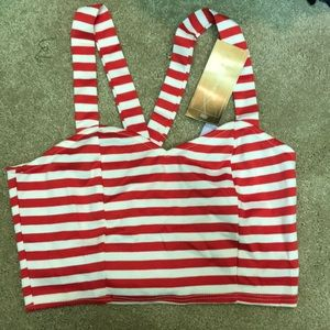 Francescas red and white crop top small